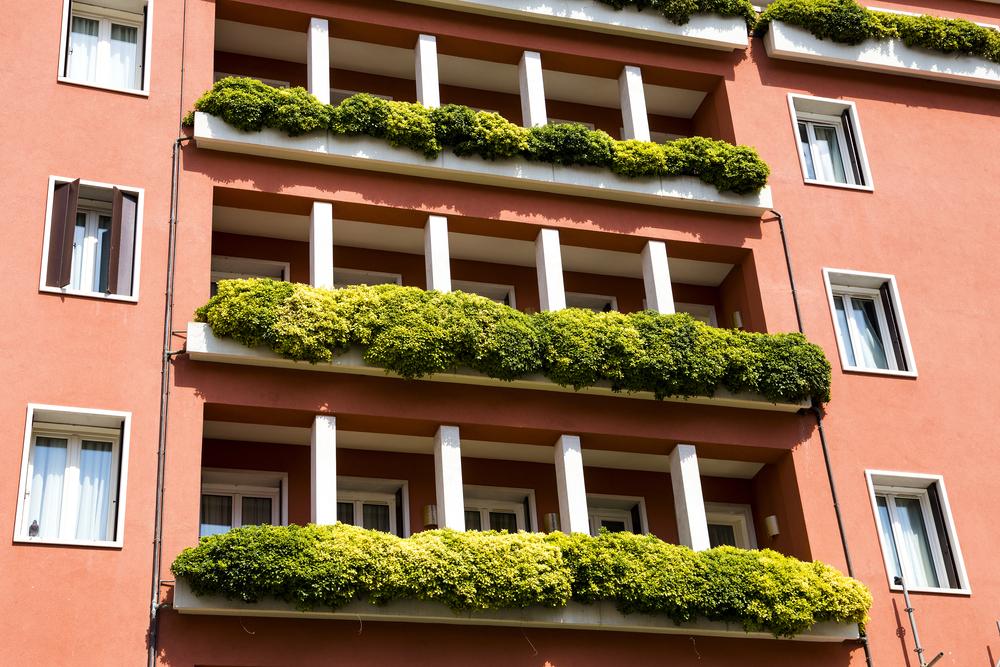 suporturi de plante suspendate pentru balcon