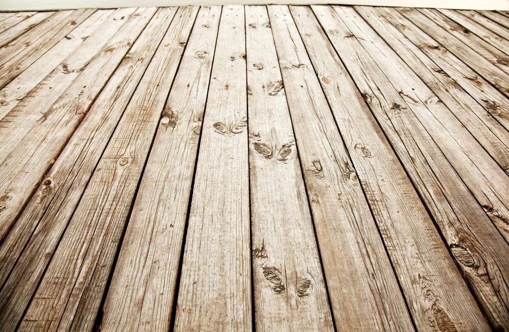 Avantajele si dezavantajele dusumelei din lemn in comparatie cu alte materiale de placare a pardoselilor