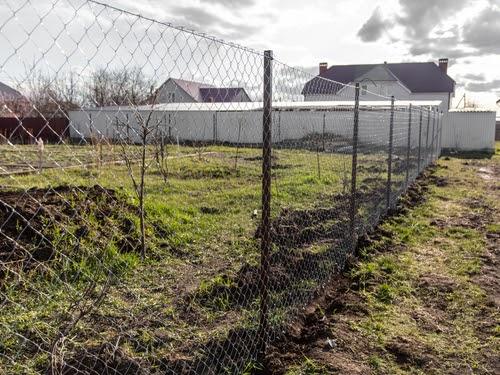 Cum se monteaza un gard din sarma?